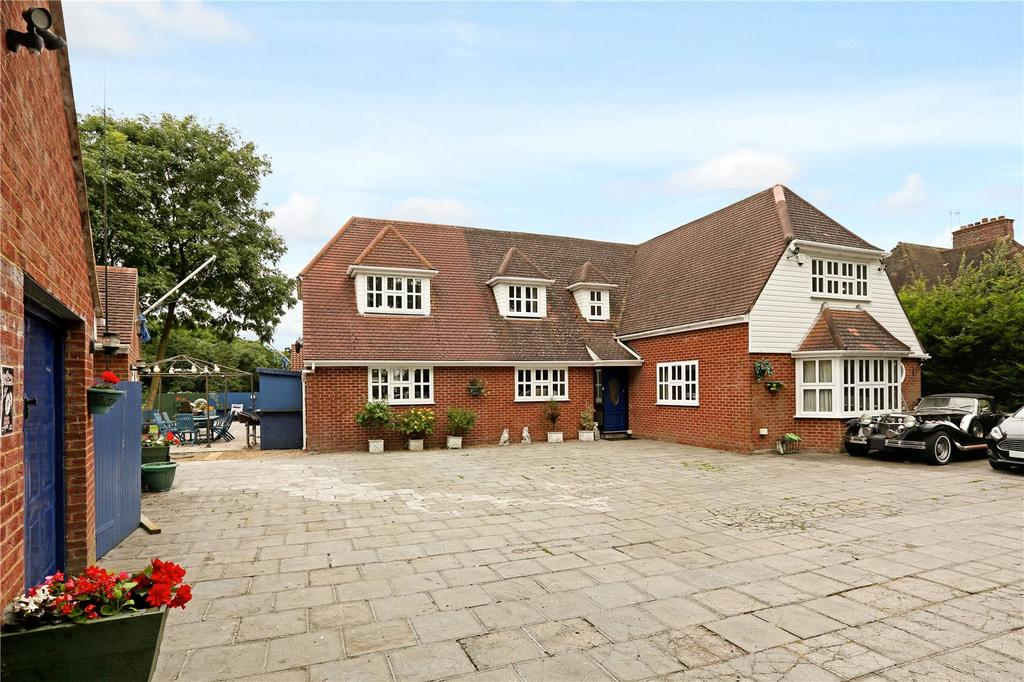4 Bedrooms Detached House for sale in Kylemore House, Hill End Road, Harefield, Uxbridge, Middlesex, UB9