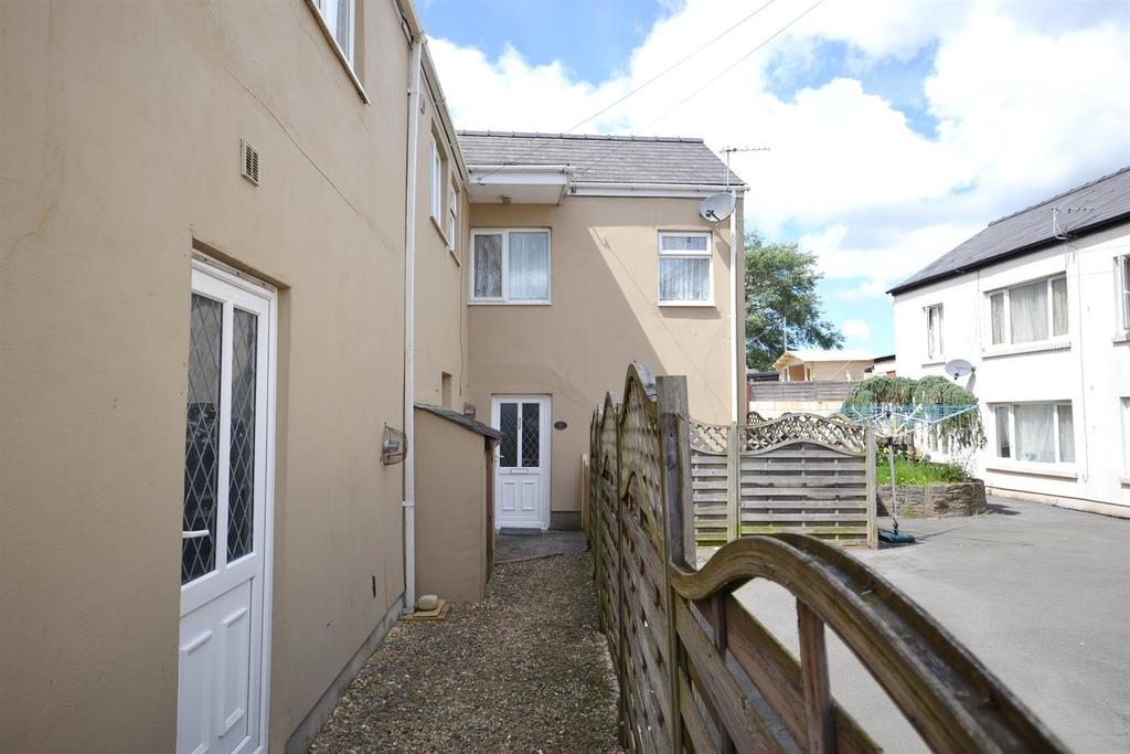 1 Bedroom End Of Terrace House for sale in Dimond Street East, Pembroke Dock