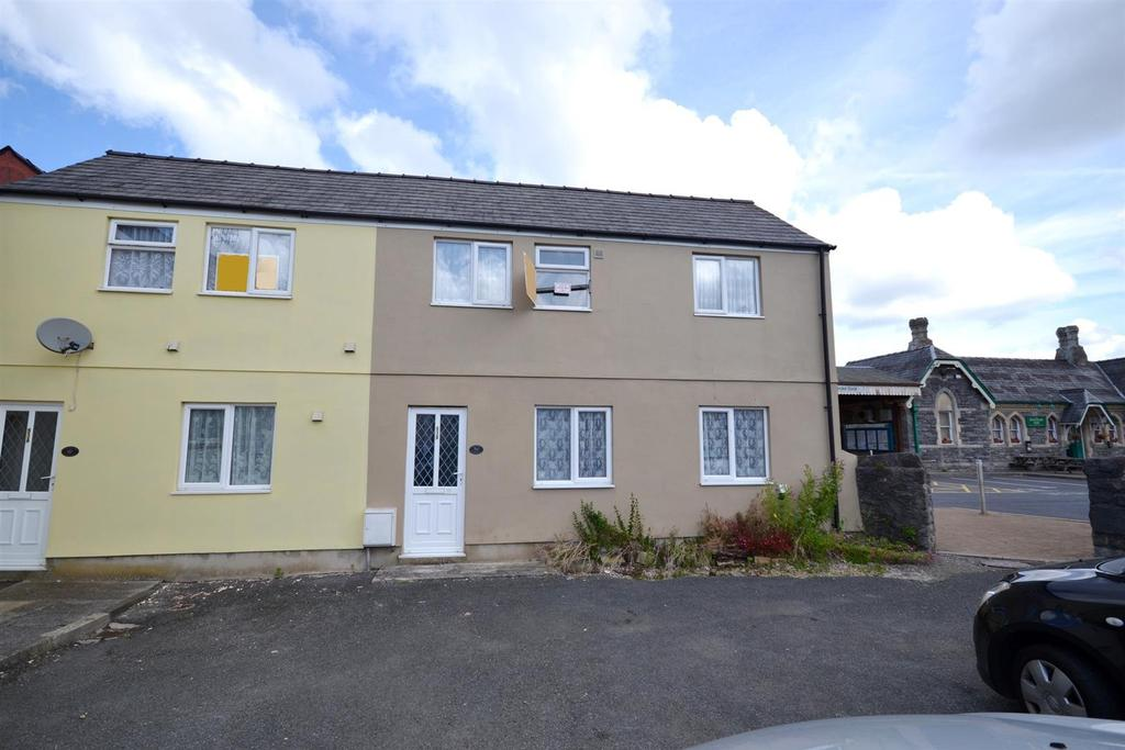 2 Bedrooms End Of Terrace House for sale in Dimond Street East, Pembroke Dock