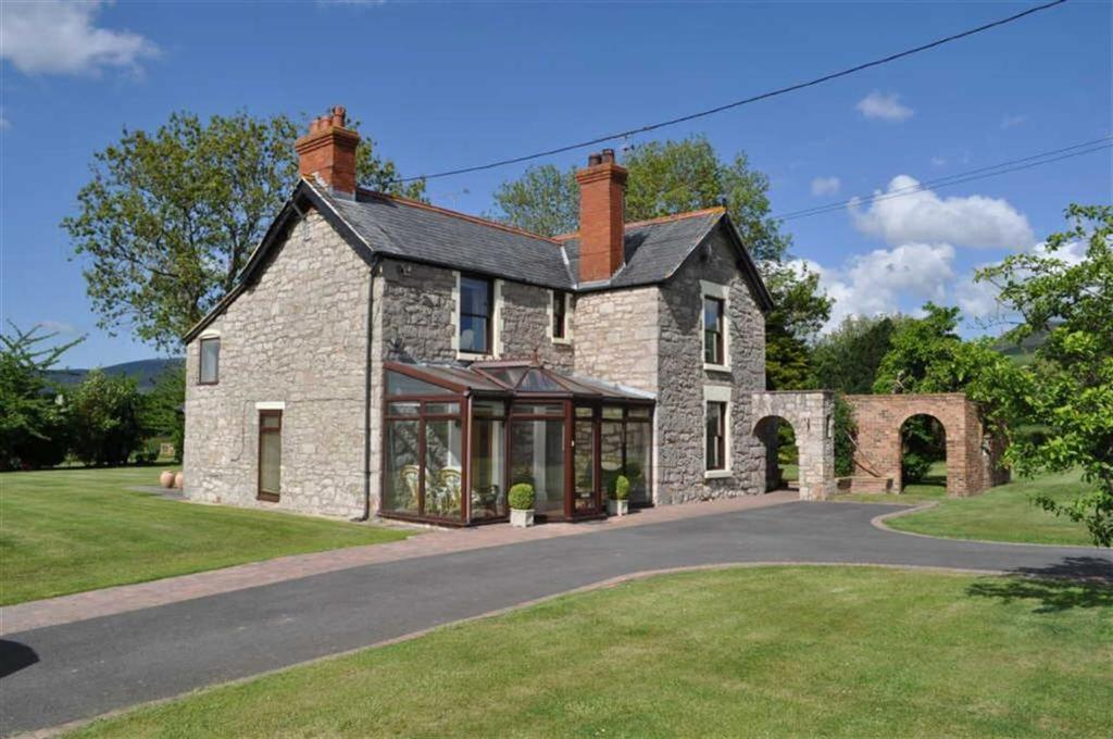 6 Bedrooms Detached House for sale in Jericho Lane, Llanfair Dyffryn Clwyd, Ruthin