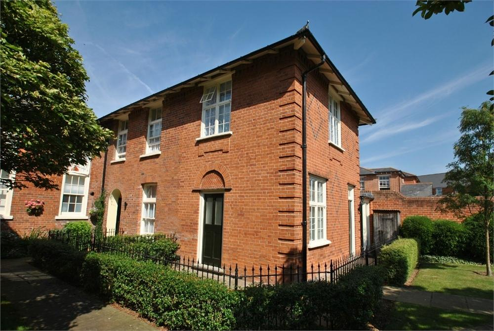 1 Bedroom End Of Terrace House for sale in St Vincent Court, Old St Michaels Drive, Braintree, Essex