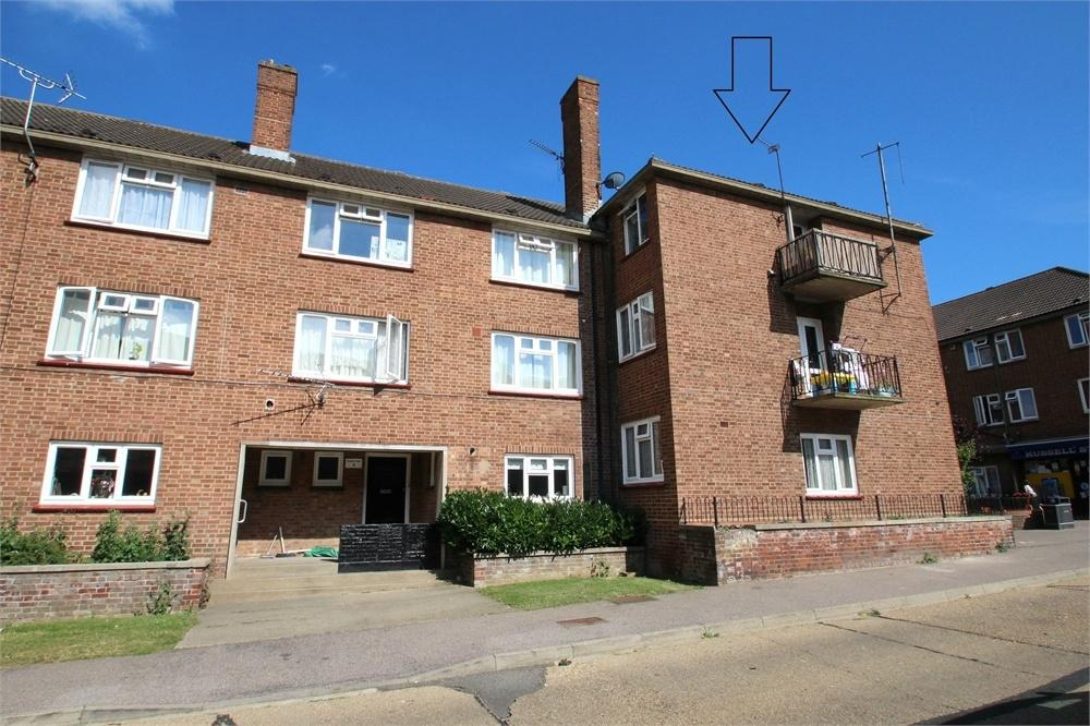 2 Bedrooms Flat for sale in Docker Court, Roosevelt Way, Colchester, Essex