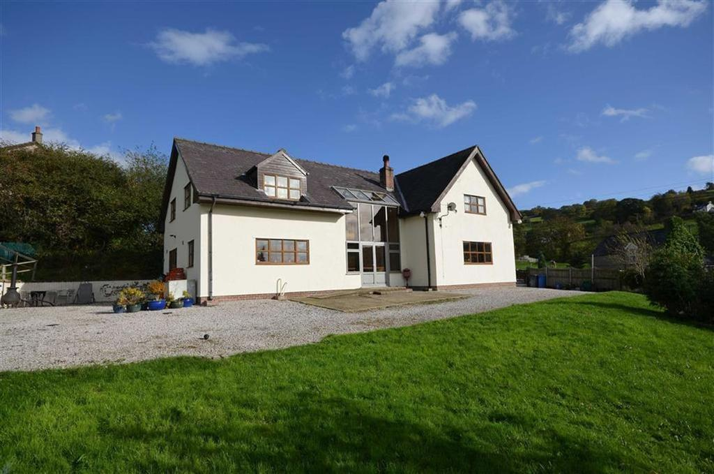 4 Bedrooms Detached House for sale in Betws Gwerfil Goch, Corwen