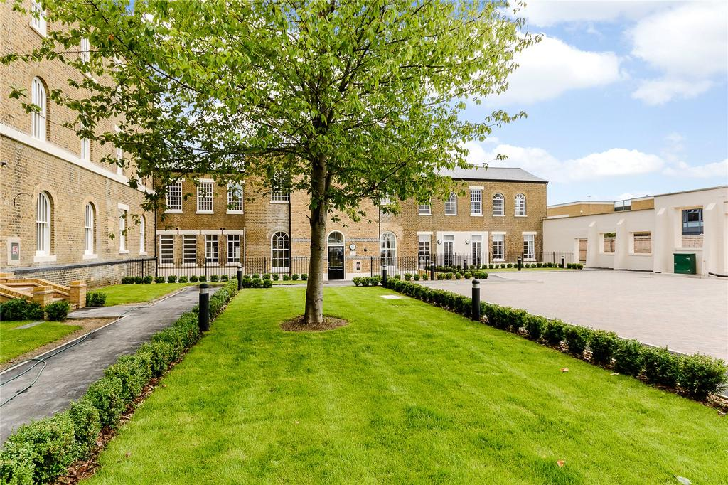 2 Bedrooms Flat for sale in St Bernard's, Hilda Road, Southall, UB2