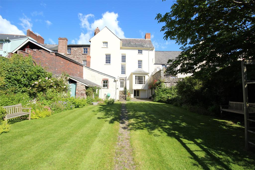 8 Bedrooms Terraced House for sale in The Struet, Brecon, Powys