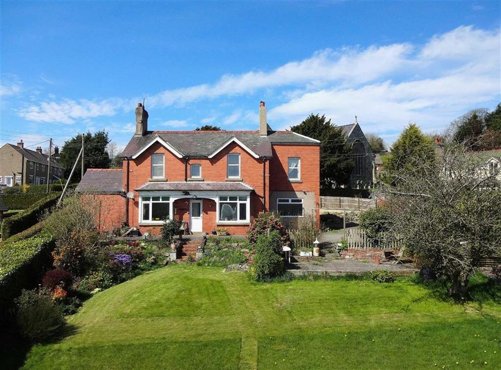 5 Bedrooms Detached House for sale in Derwen, Corwen