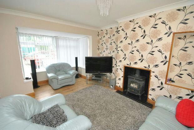 2 Bedrooms Semi Detached House for sale in Laceby Road, Grimsby
