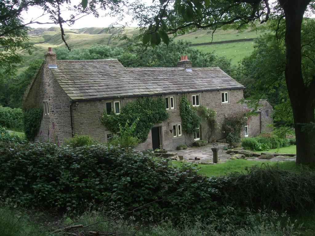 4 Bedrooms Farm House Character Property for sale in Wicken Lane, Chinley