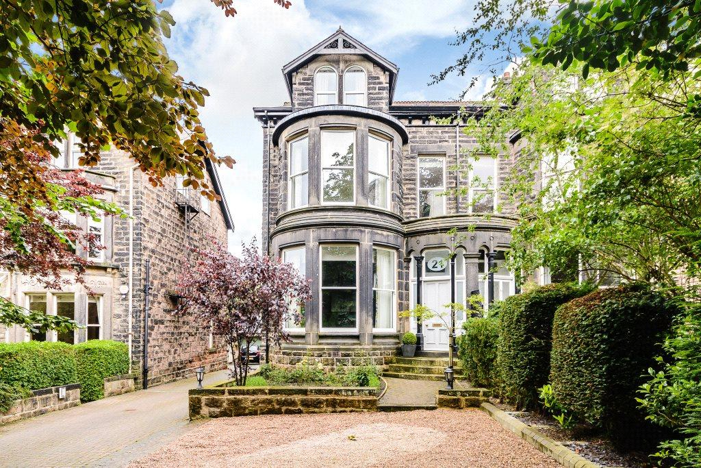 6 Bedrooms Semi Detached House for sale in 21 Queens Road, Harrogate, North Yorkshire, HG2