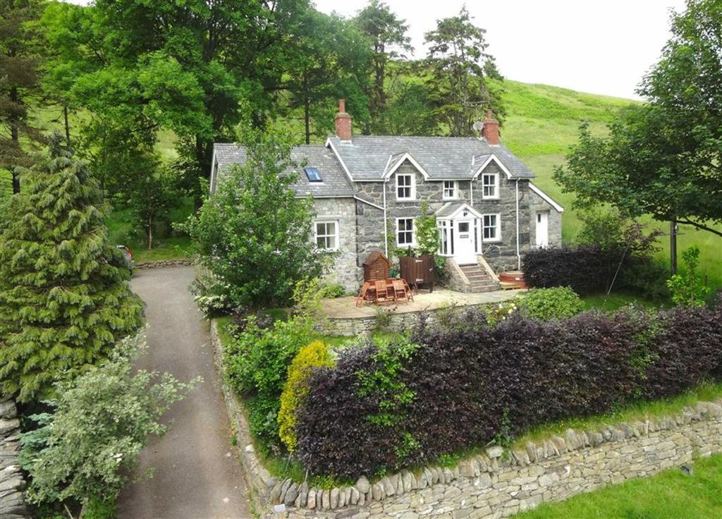 4 Bedrooms Cottage House for sale in Llangwm, Corwen