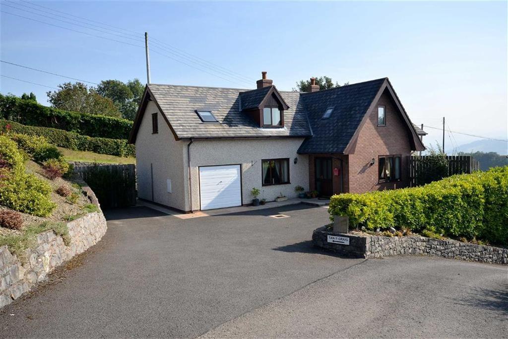 4 Bedrooms Detached House for sale in Derwen, Corwen