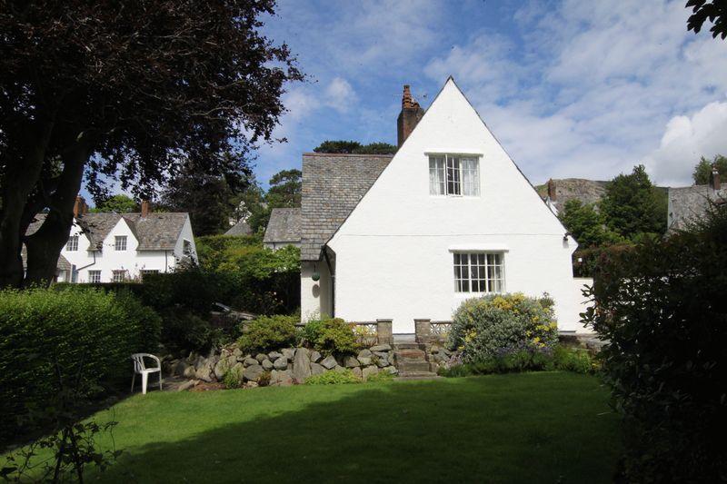 3 Bedrooms Unique Property for sale in The Close, Llanfairfechan