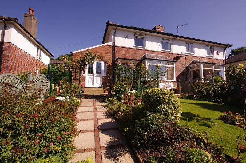 2 Bedrooms Semi Detached House for sale in 10 Warley Wood Avenue, Luddendenfoot, HX2 6BH