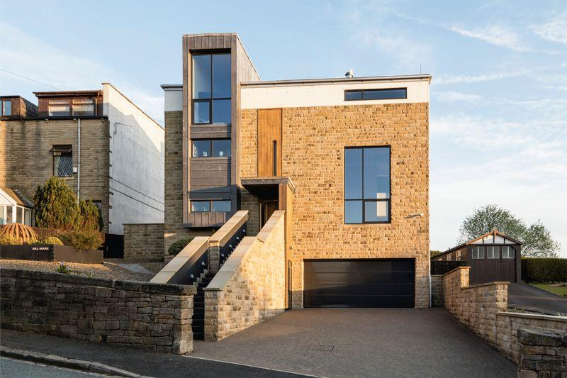4 Bedrooms Detached House for sale in Hill House, Blackstone Edge Old Road, Littleborough, OL15 0JN