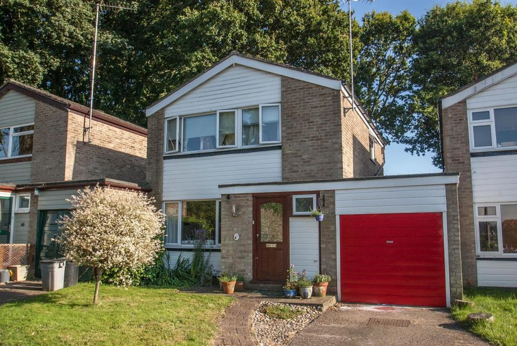 3 Bedrooms Link Detached House for sale in Hamilton Crescent, Warley, Brentwood, Essex, CM14