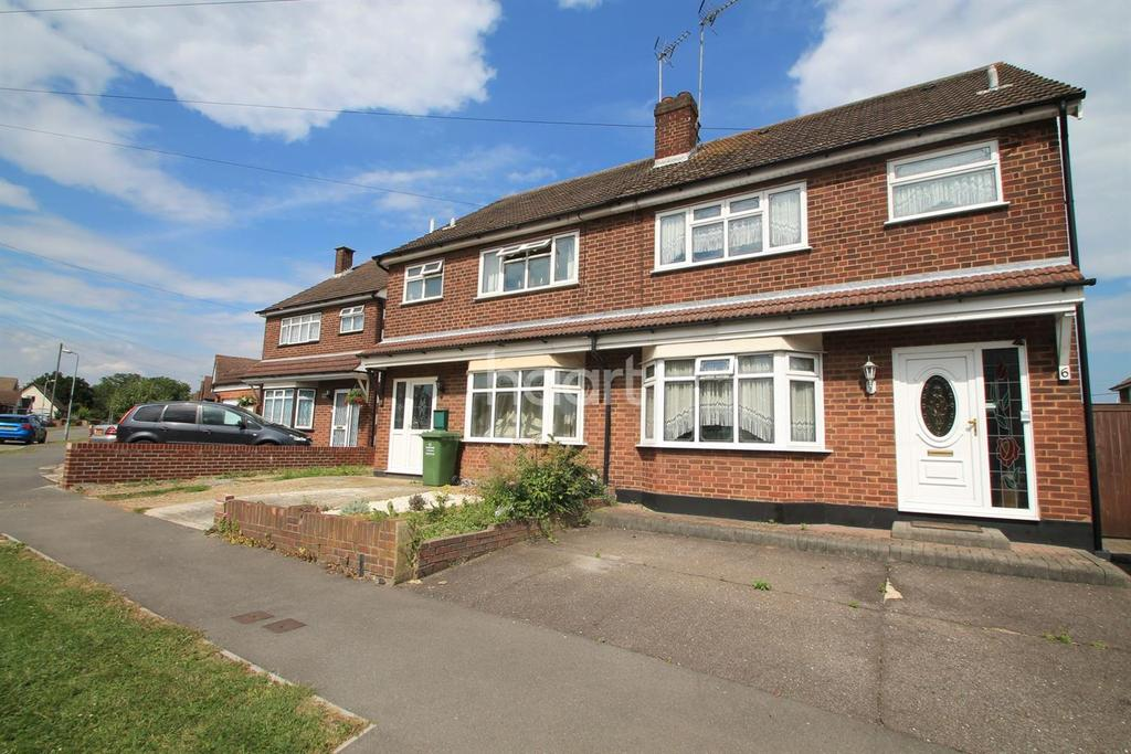 3 Bedrooms Semi Detached House for sale in Popes Crescent, Pitsea