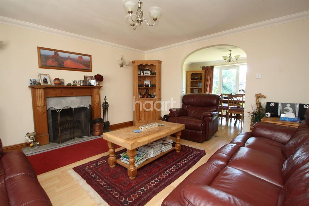 4 Bedrooms Detached House for sale in Francis Close, Cliffsend, CT12
