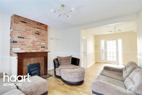 3 bedroom terraced house to rent - Waverley Crescent - Harold Hill - RM3