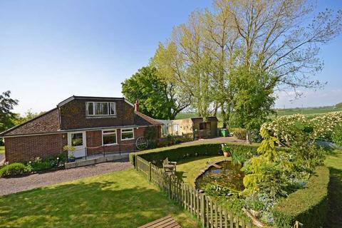5 bedroom property with land for sale - Old Romney, TN29