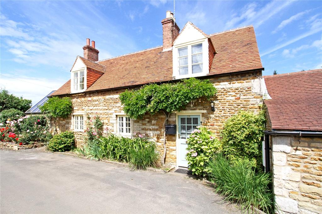 4 Bedrooms Detached House for sale in Corkscrew Cottage, 26 Church Lane, Caythorpe, Grantham, NG32
