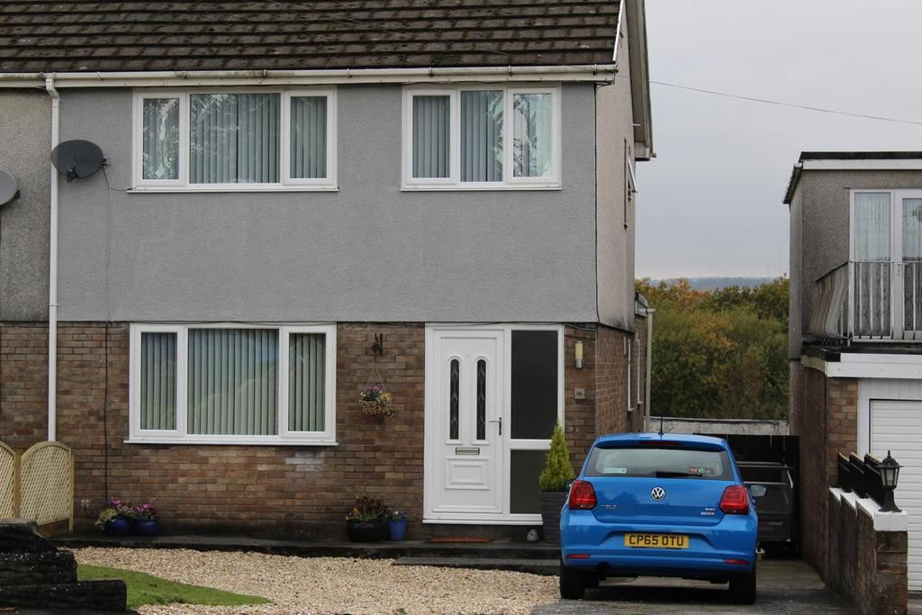 3 Bedrooms Semi Detached House for sale in Pontardulais Road, Tycroes, Ammanford