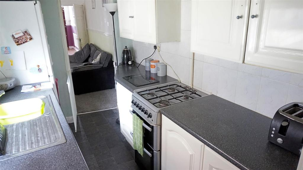 2 Bedrooms Terraced House for sale in Packett Street, Fenton, Stoke-On-Trent