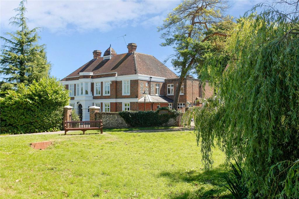 7 Bedrooms Unique Property for sale in Luxted Road, Downe, Orpington, Kent, BR6