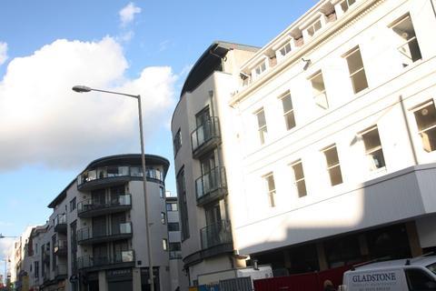 3 bedroom apartment to rent - West Street, Brighton, BN1