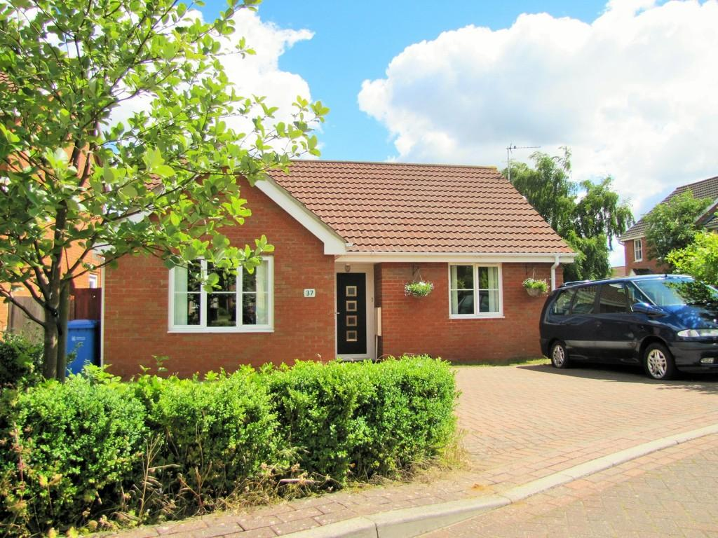 2 Bedrooms Detached Bungalow for sale in Three Score, Norwich