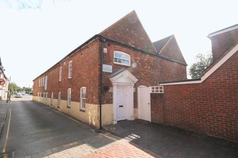 2 bedroom character property to rent - Park Row, Farnham