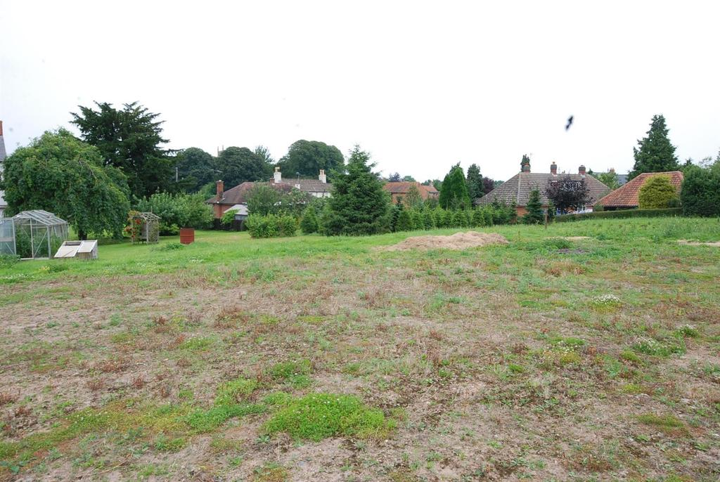 Land Commercial for sale in Egmanton