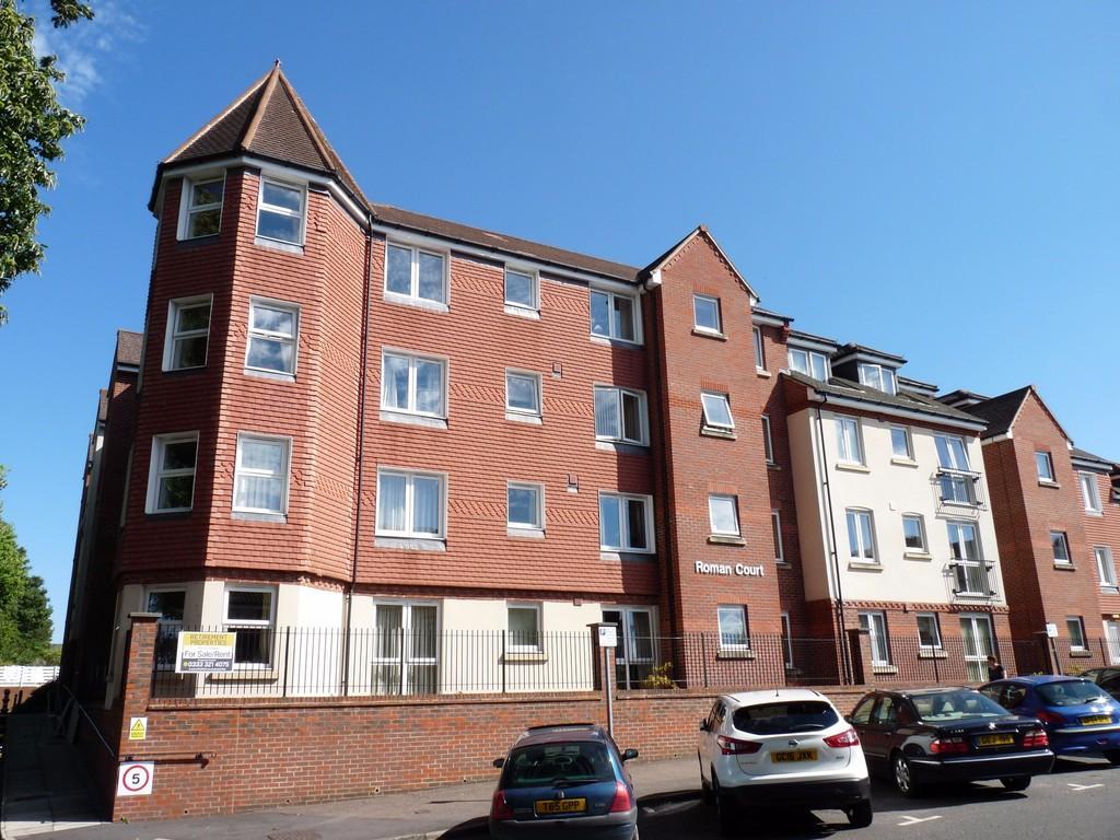 2 Bedrooms Retirement Property for sale in Central Edenbridge