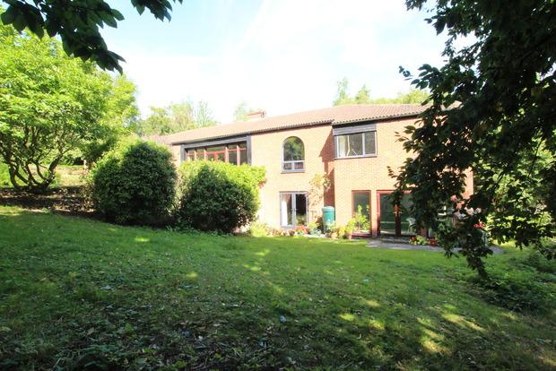 5 Bedrooms Detached House for sale in Church Lane, Upper Broughton, Melton Mowbray, LE14