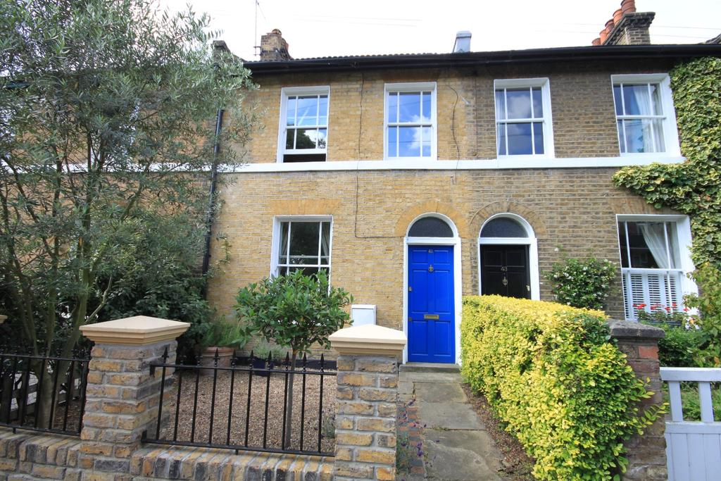 2 Bedrooms Terraced House for sale in Dacre Park London SE13