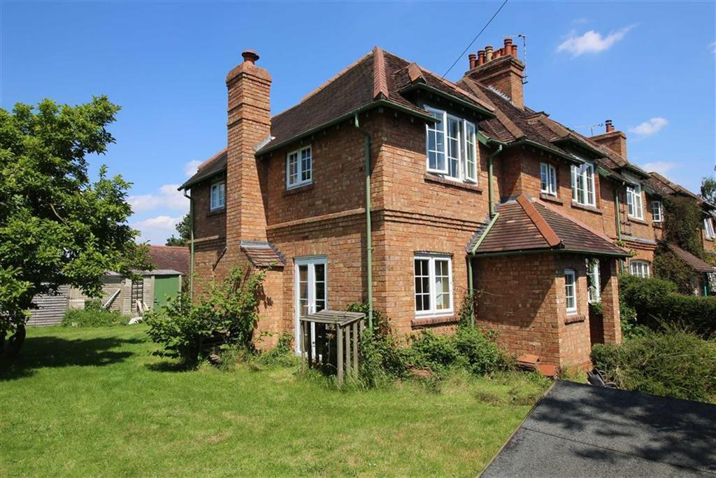 4 Bedrooms Cottage House for sale in Railway Bridge Cottages, Long Itchington Road, Offchurch, CV33