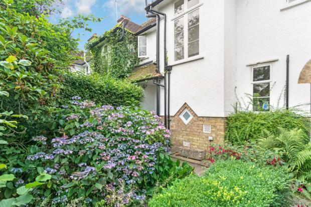 3 Bedrooms Cottage House for sale in Creswick Walk, Hampstead Garden Suburb, London, NW11