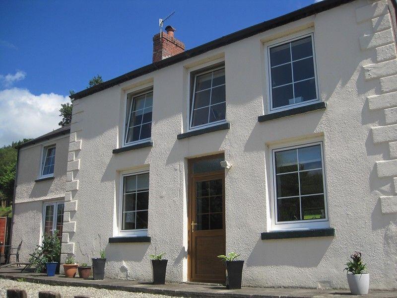4 Bedrooms Detached House for sale in Pentwyn House Heol Twrch Lower Cwmtwrch, Swansea.