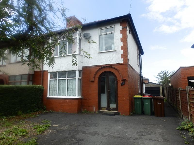 3 Bedrooms Semi Detached House for sale in Cadley Causeway, Fulwood, Preston, PR2