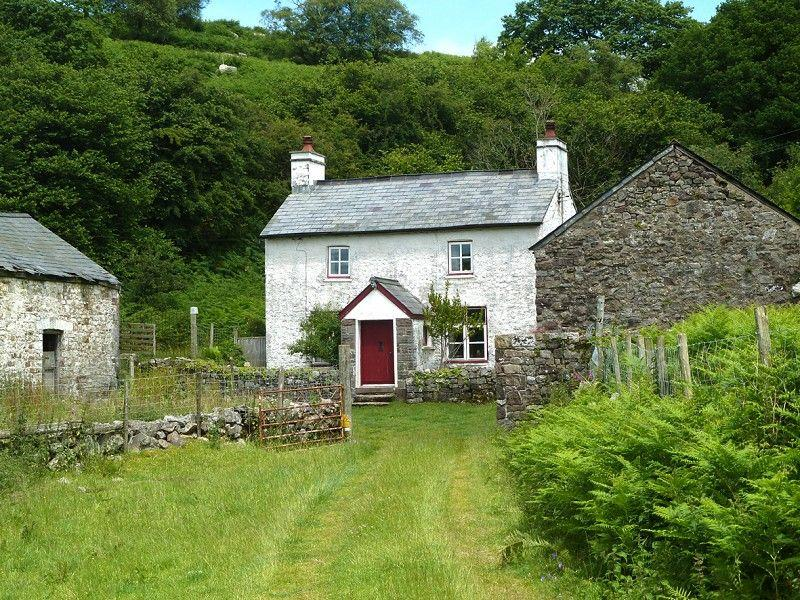 2 Bedrooms Cottage House for sale in Llwyn, Ystradfellte, Aberdare, Rhondda, Cynon, Taff.