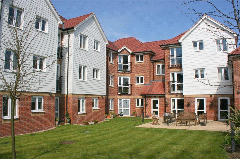 1 Bedroom Apartment Flat for sale in Eadhelm Court, Penlee Close, Edenbridge, Kent