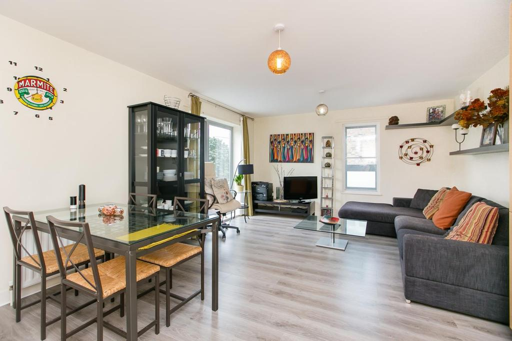 2 Bedrooms Flat for sale in Barlby Road, London, W10