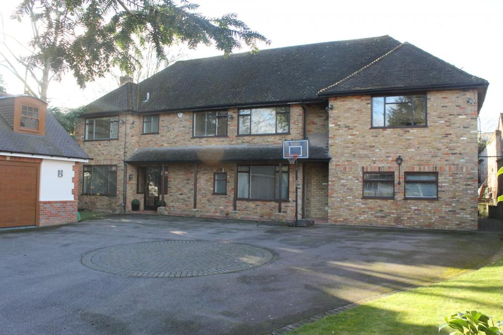 5 Bedrooms Detached House for rent in North Park, Gerrards Cross, SL9