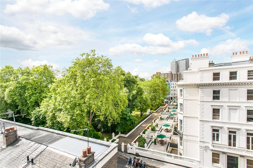 2 Bedrooms Flat for sale in Stanhope Gardens, South Kensington, London