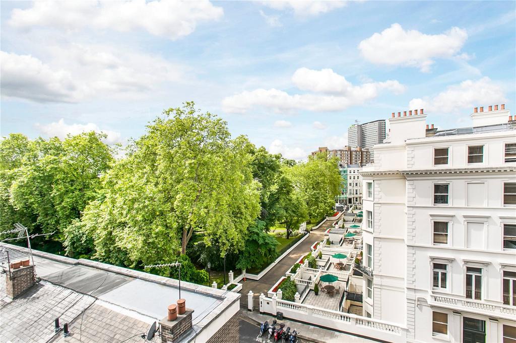 2 Bedrooms Flat for sale in Stanhope Gardens, South Kensington, London