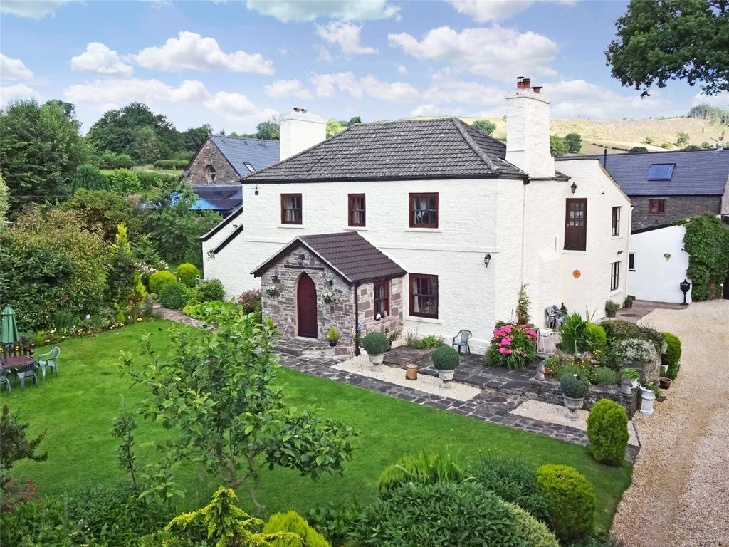 6 Bedrooms Detached House for sale in Cathedine, Brecon, Powys