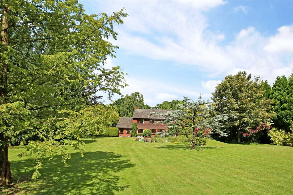 3 Bedrooms Detached House for sale in Ringwood Road, Three Legged Cross, Wimborne, Dorset, BH21
