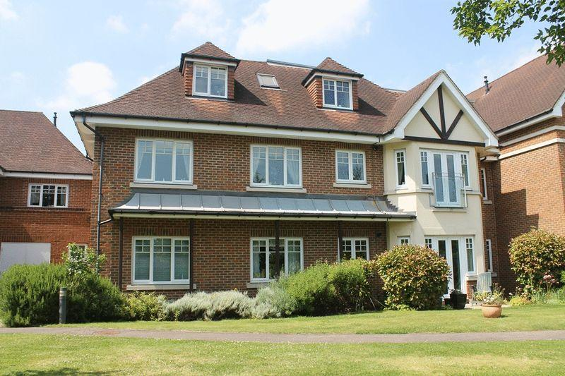 2 Bedrooms Apartment Flat for sale in FETCHAM