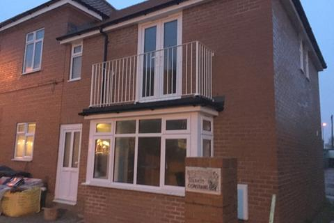 2 bedroom end of terrace house to rent - Raphael Road, Hove, East Sussex.