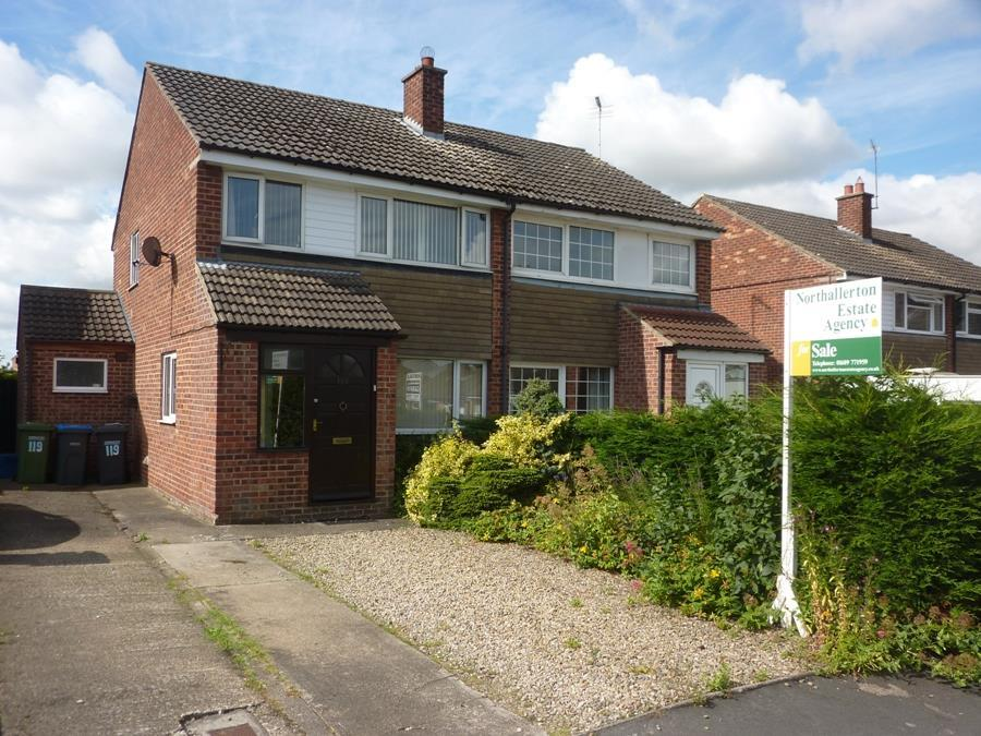 3 Bedrooms Semi Detached House for sale in 119 Chantry Road, Romanby