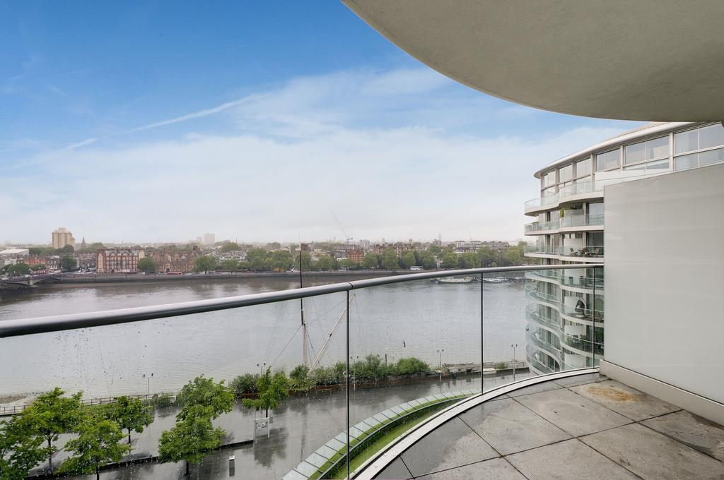 3 Bedrooms Apartment Flat for sale in Albion Riverside, Hester Road, London SW11